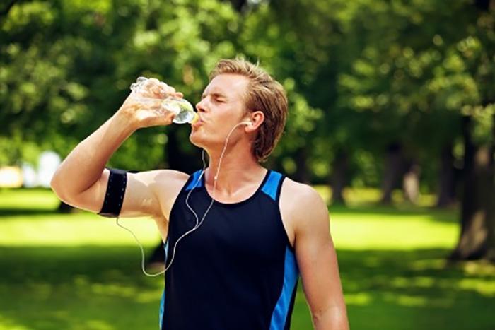 運動と風呂での汗の違いとは?汗腺を鍛えよう!