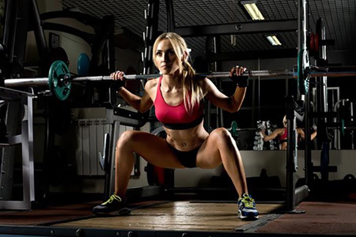 自宅トレで「脚の筋肉を鍛える」ために、筋トレ荷重を上げるコツ