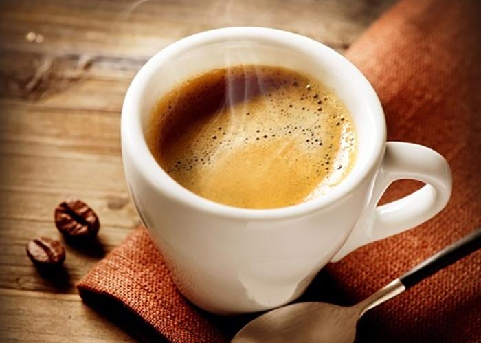 コーヒー(カフェイン)が筋トレのパフォーマンスアップに効くという秘密