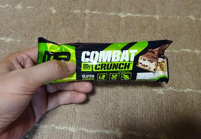 COMBAT (コンバット)プロテインバー、チョコレートチップクッキー