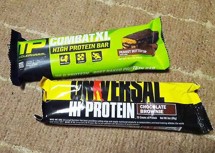 Muscle Pharm(マッスルファーム)コンバット(COMBAT XL PROTEINBAR)・Universal Nutrition(ユニバーサルニュートリジョン)UNIVERSAL HI PROTEINBAR