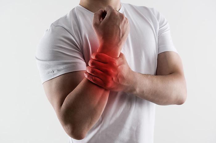 プロテインを飲んで筋トレしてると「痛風」の原因になるって本当?マッチョやアスリートは注意?