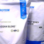 MYPROTEIN(マイプロテイン) VEGAN BLEND(ビーガンブレンド) チョコレートスムース味を飲み比べ&体験評価