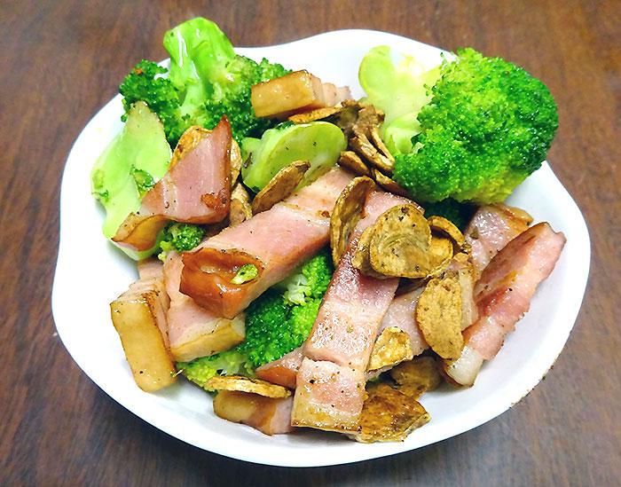 ブロッコリーの厚切りベーコンのガーリック炒め 作り方&レシピ