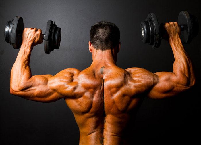 三角筋を鍛えるダンベル筋トレ!肩の筋肉の正しい鍛え方で、問題点の洗い出し