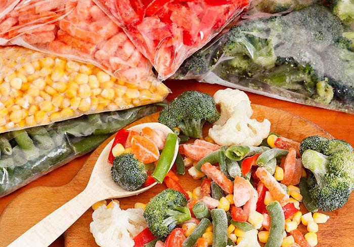 栄養価とコスパを考えれば冷凍食材を活用しよう!